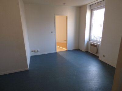 appartement a louer 42300 roanne 2 pi ces 41 m sas domenjoud immobilier. Black Bedroom Furniture Sets. Home Design Ideas